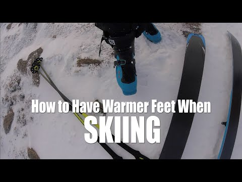 6 Tips for warmer feet when skiing // DAVE SEARLE