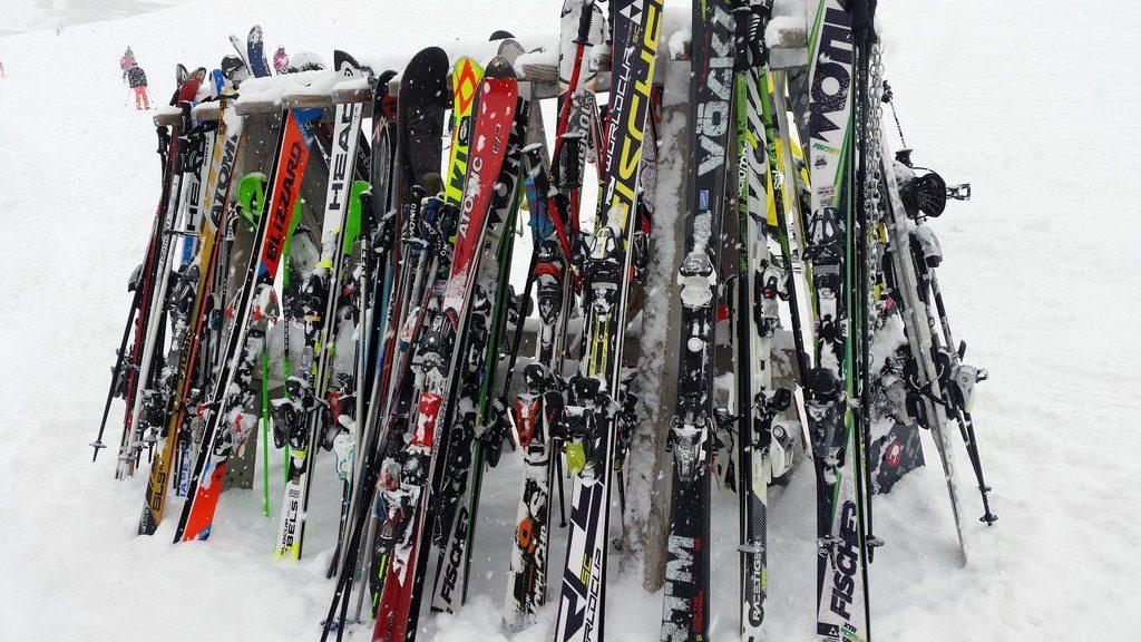 skis in rack