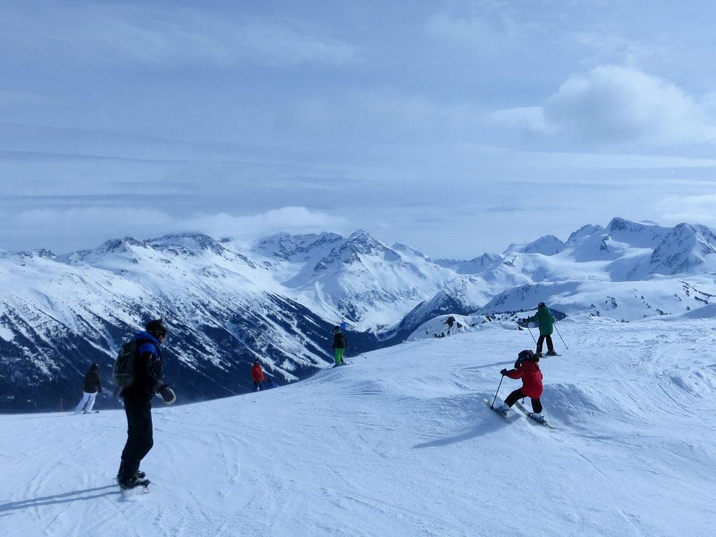 skiing child jump