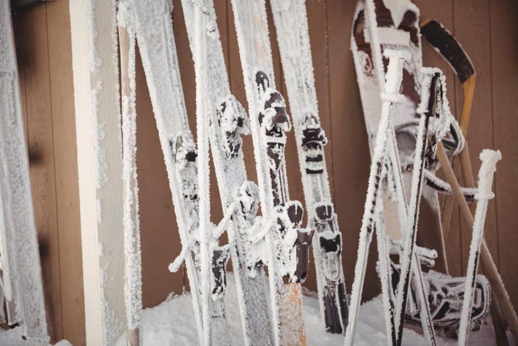 skis and ski pole